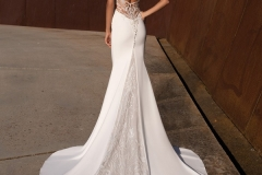 back-mermaid-wedding-dress-with-V-neck-and-keyhole-back-A1541