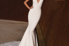 mermaid-wedding-dress-with-V-neck-and-keyhole-back-A1541
